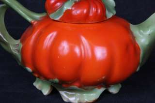 L247 SCARCE ANTIQUE CA 1910 ROYAL BAYREUTH TOMATO LARGER SIZE LIDDED