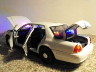 18 Undercover White Ford Crown Vic Lights Custom Police Car FCV