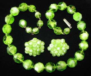 VINTAGE ART DECO JEWERLY WESTERN GERMANY GREEN GLASS BEAD NECKLACE